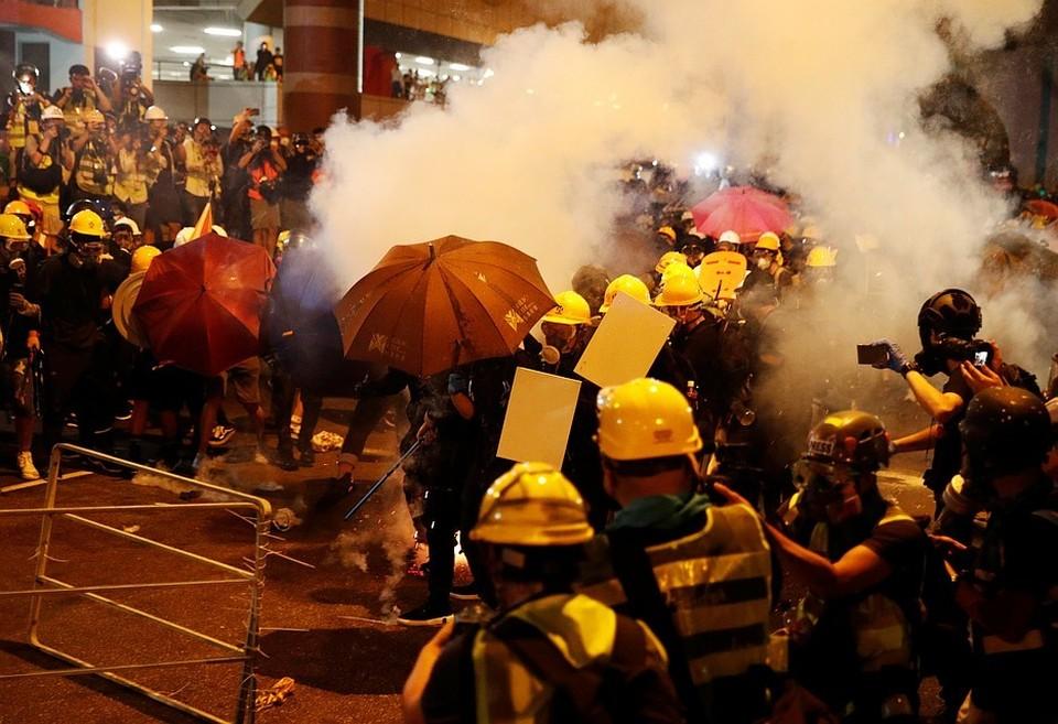 В Гонконге продолжаются массовые беспорядки