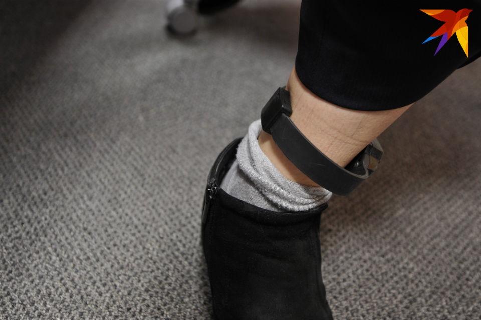 Армен Лязгян снял электронный браслет и оставил его дома.