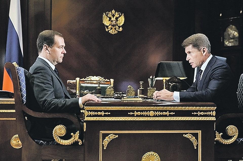 Олег Кожемяко обсудил вопросы судостроения на Дальнем Востоке с премьер-министром РФ Дмитрием Медведевым. Фото: сайт правительства РФ