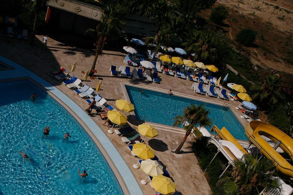 В турецком Бодруме школьница из Петербурга захлебнулась в бассейне.