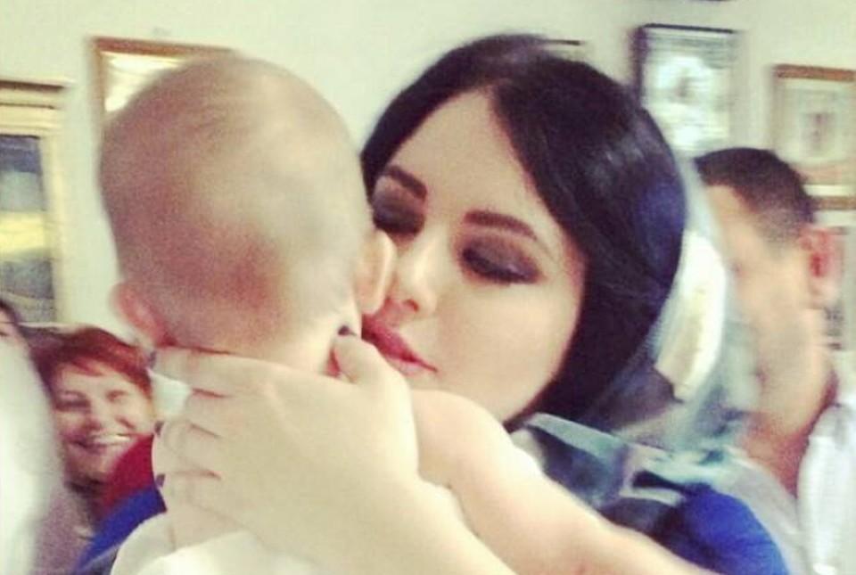 Диана обожала крестного сына и с нетерпением ждала, когда сама станет мамой