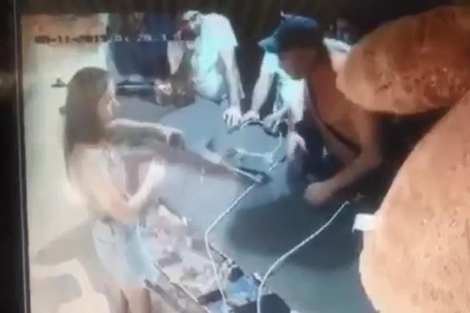 Нападение на девушку в тире