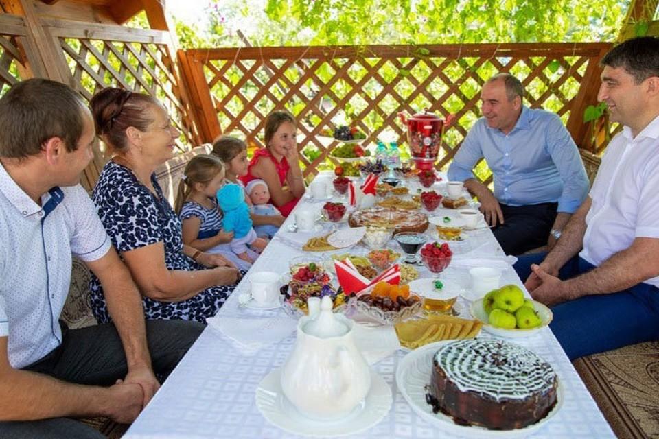 В Карачаево-Черкесии 2019-й объявлен Годом села. Фото: сайт главы КЧР,