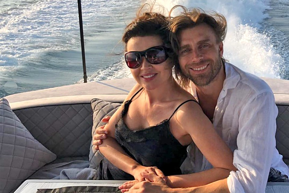 Петр Чернышев и Анастасия Заворотнюк опровергают новости о болезни актрисы.