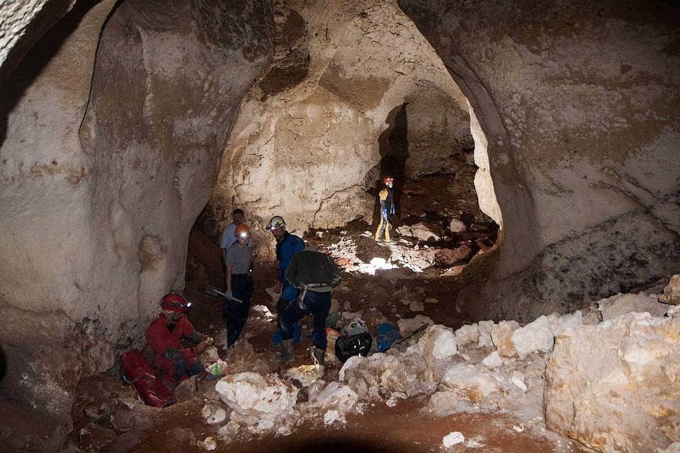 Ученые будут тщательно изучать пещеру. Фото: Фото: Российский союз спелеологов
