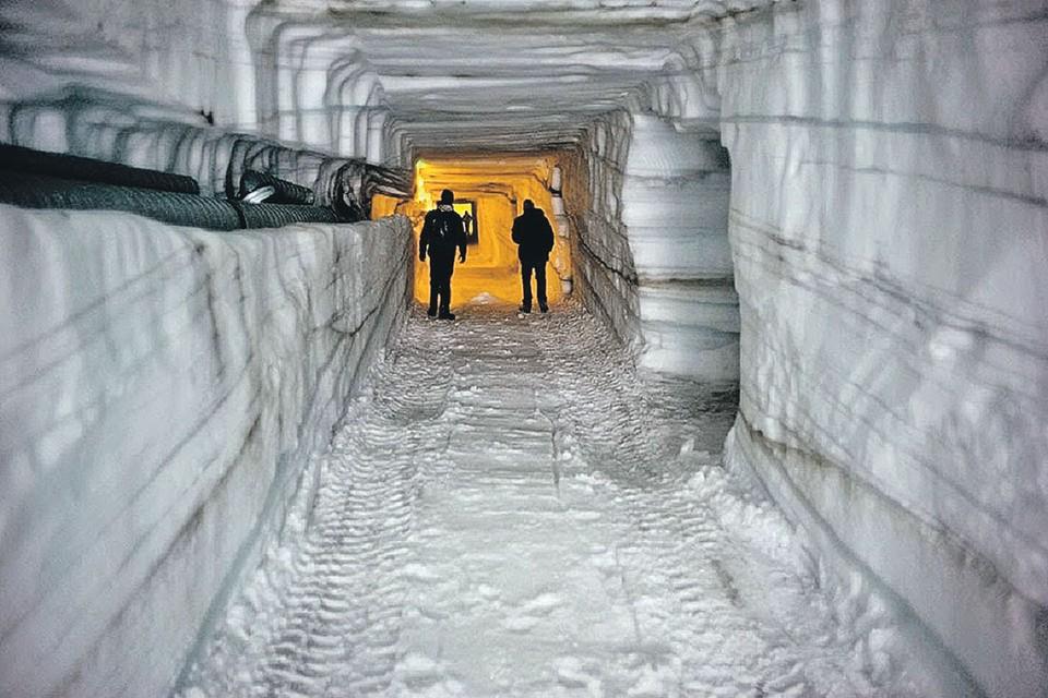 В таких туннелях янки хотели прятать ядерные ракеты. Фото: cezarium.com/project-iceworm/