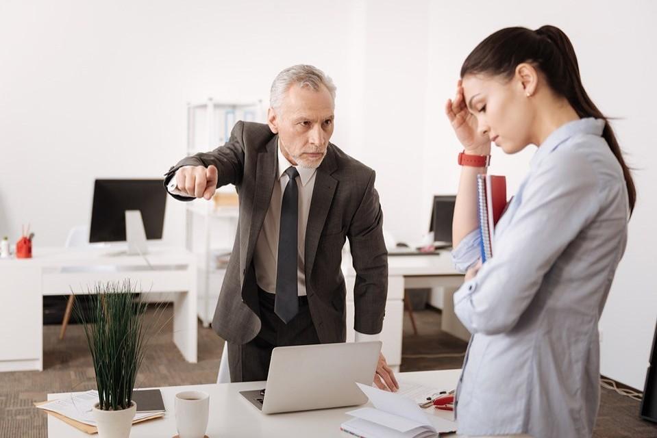Оказывается, систематическое грубое поведение начальника - это буллинг.
