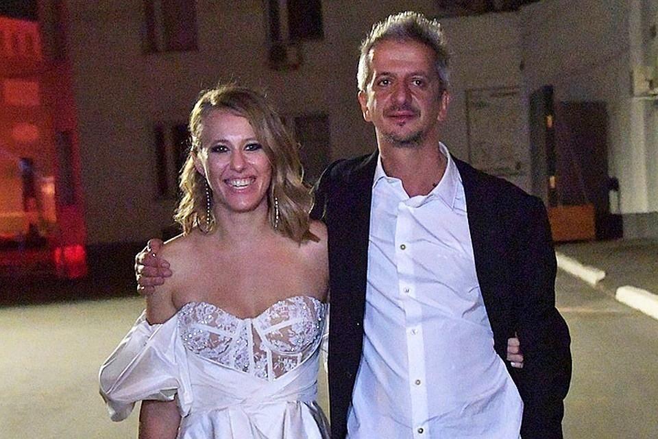 Журналисты «Комсомолки» обсуждают эпатажное бракосочетание светской львицы и театрального режиссера