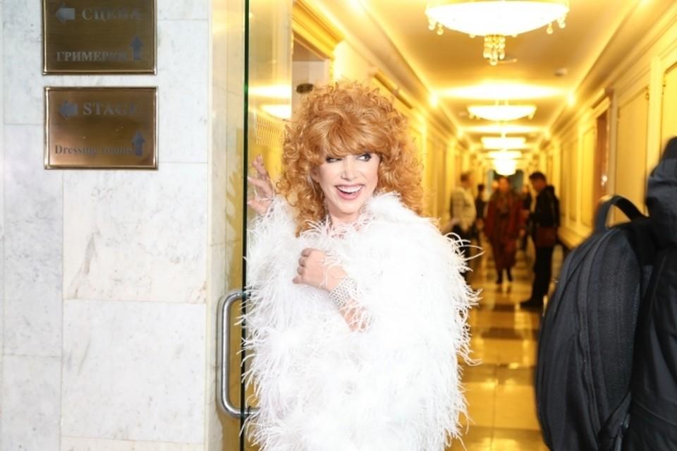 Пародистка Елена Воробей призналась в любви старому другу