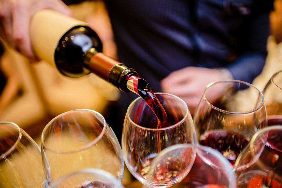 С 2020 года увеличатся акцизы на вино и шампанское. Причем и на импортное, и на свое.