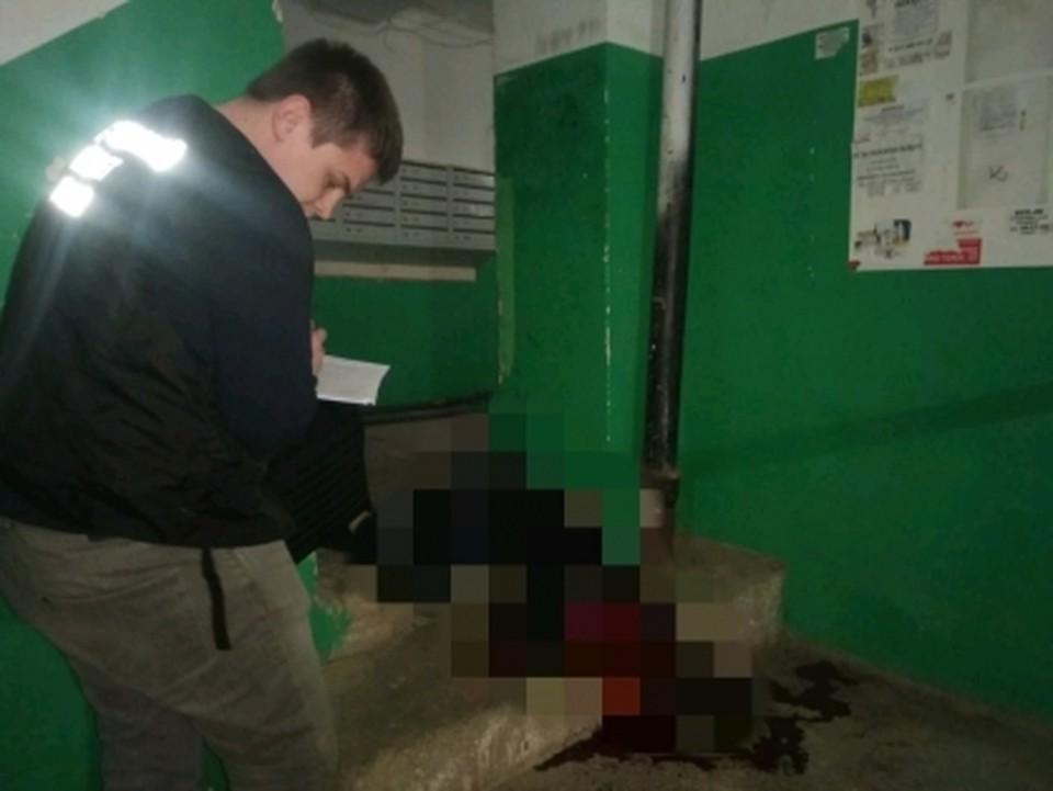 На месте преступления работают следователи. Фото СУ СКР по Саратовской области