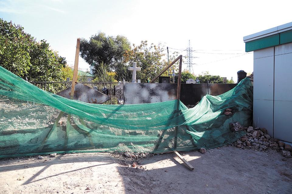 Даже если ее и восстановят, ограда уже утратит свою историческую ценность