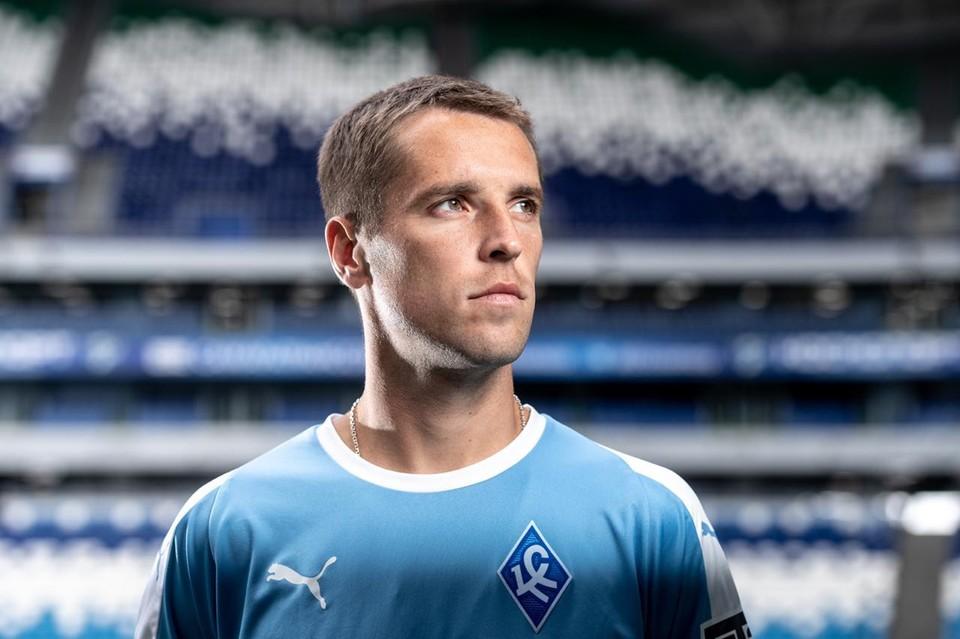 Дмитрий Комбаров.