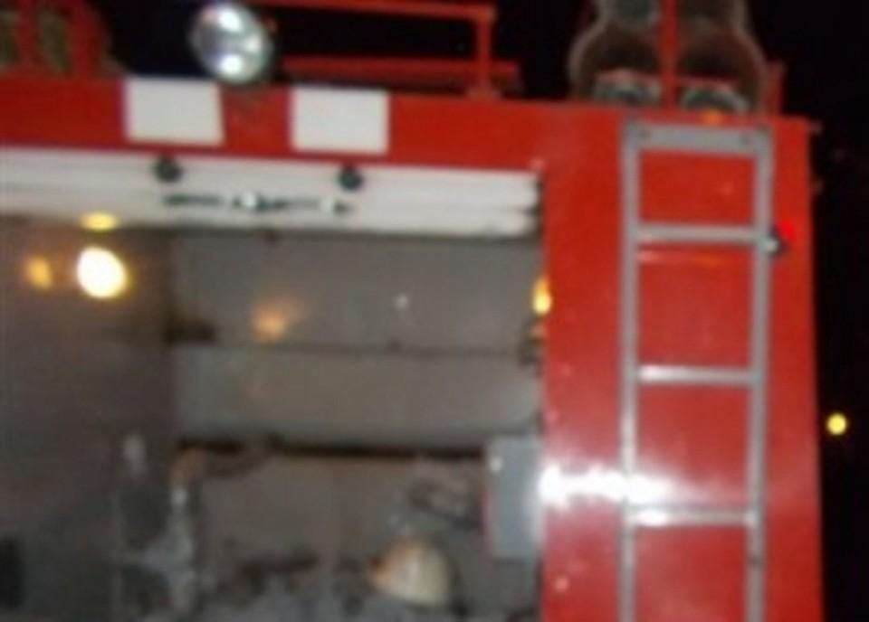 Огонь повредил багажник, заднюю часть салона, крышу, крылья и бампер