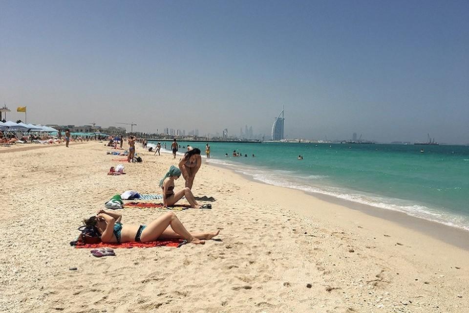 В Крым нельзя было, зато в Дубай можно.