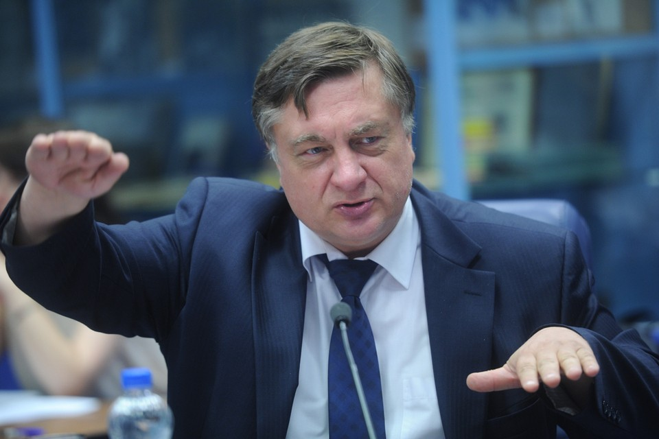 Глава «Садоводов России» Андрей Туманов объяснил, почему он практически отказался от наличных платежей.
