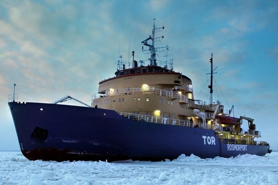 Ледокол «Тор» попал в жестокий шторм у берегов Норвегии и подал сигнал бедствия. Фото: ФГУП «Росморпорт»