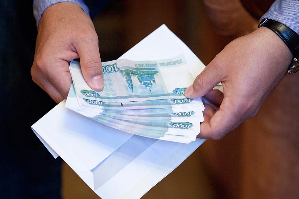 Выросло число россиян, считающих, что неофициальная экономическая деятельность в целом приносит больше пользы для общества, чем вреда