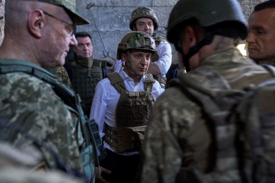 На Украине споривших с Зеленским националистов назвали вооружениями нелегалами