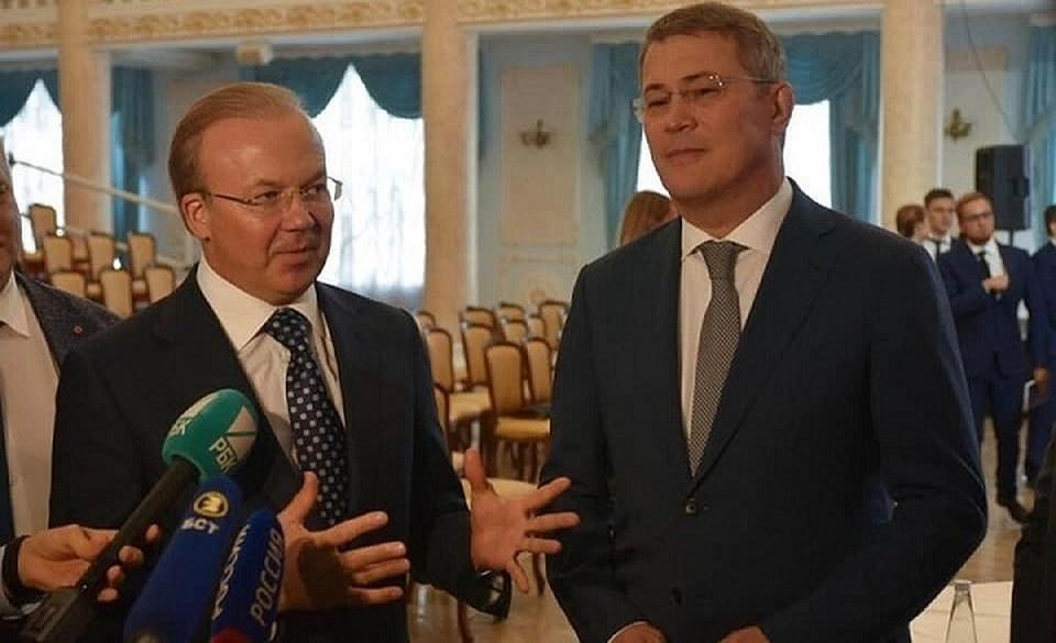 Андрей Назаров (слева) занял пост первого вице-премьера.
