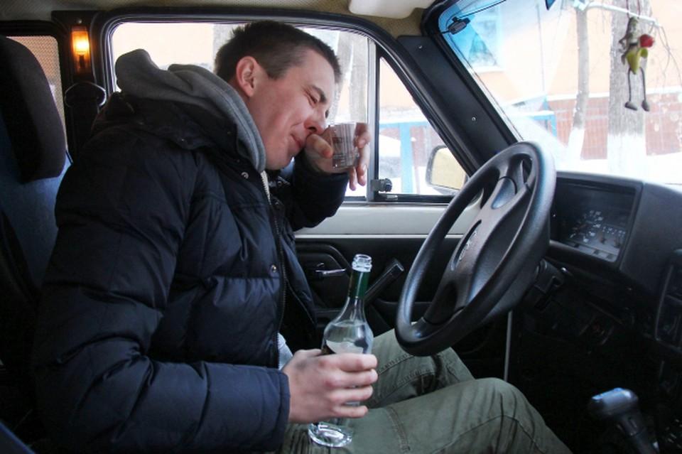 """Чиновник сел пьяным за руль, и засветился на """"оперативке"""" у губернатора."""