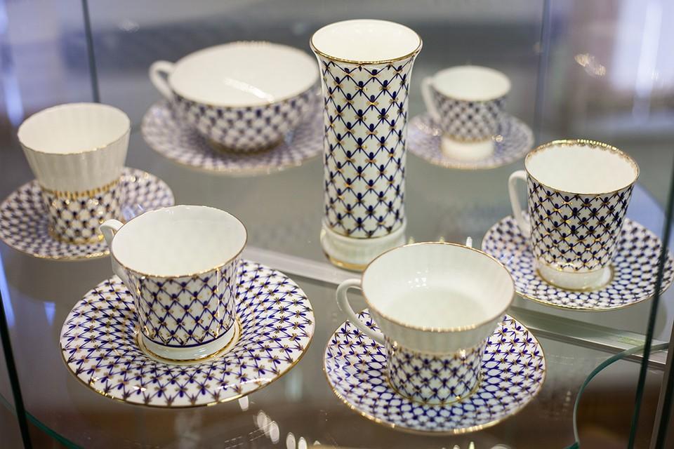 Чайный сервиз со знаменитым рисунком «Кобальтовая сетка».