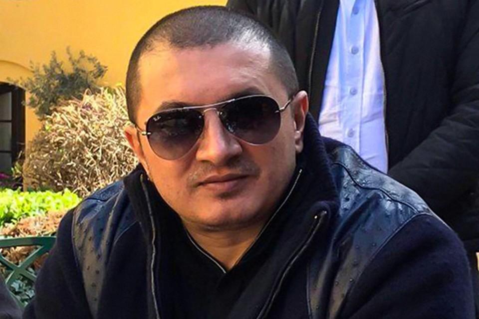 Исмаилов, находясь за пределами России, пользуясь своим авторитетом вора в законе и связями в преступной сфере, занимался координацией преступной деятельности