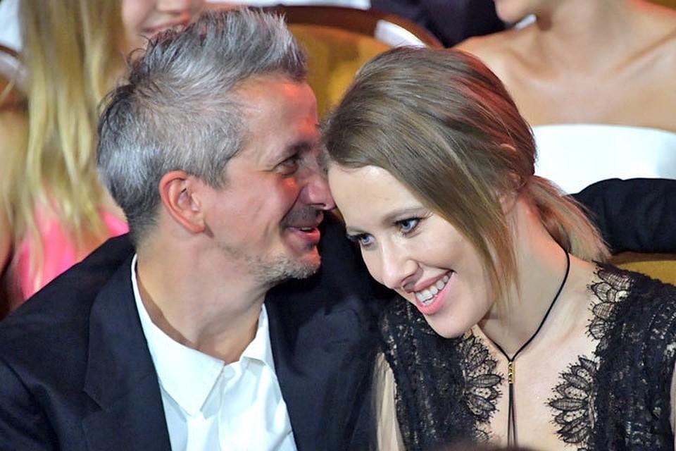 Константин Богомолов нежно поздравил жену с 38-летием.