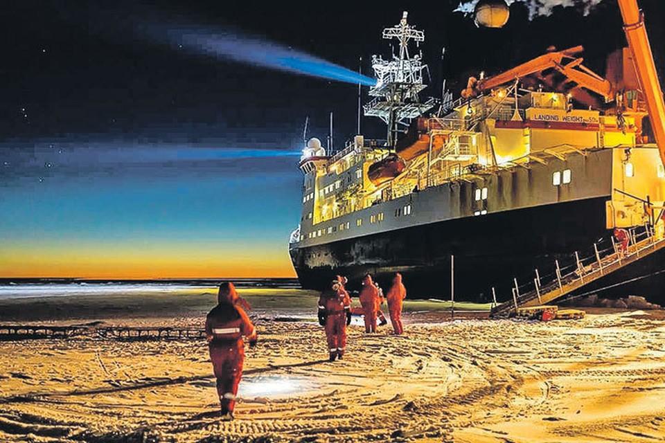 Ученые из 19 стран, в том числе России, на ледоколе «Поларштерн» будут дрейфовать в Северном Ледовитом океане до осени 2020 года. Фото: instagram.com