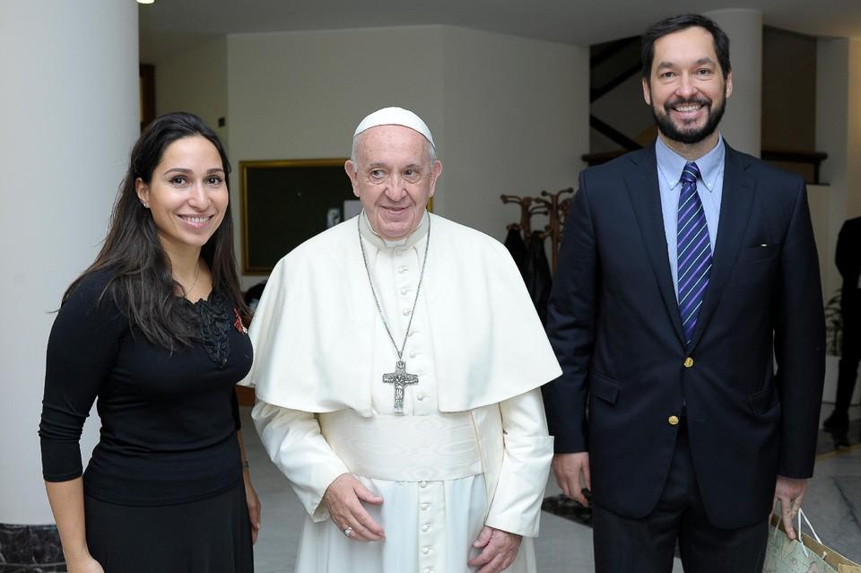 Светлана Касьян с супругом-бизнесменом Леонидом Севастьяновым в гостях у Папы Римского.