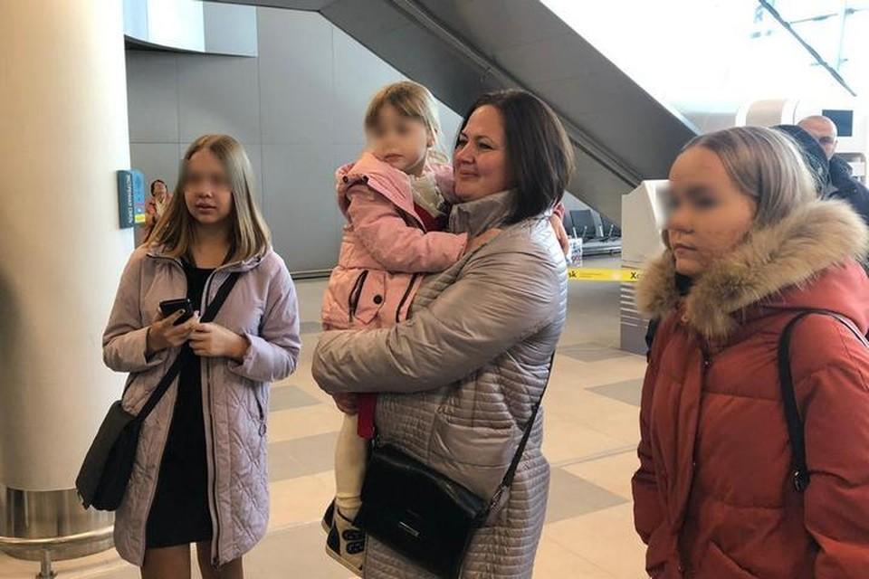 Денис Лисов, «похитивший» собственных детей из замещающей шведской семьи вернулся домой в Хабаровск