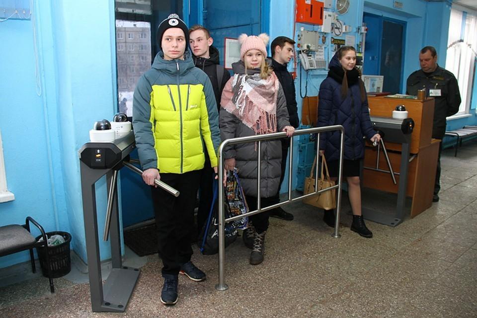 Пилотный проект по установке такой системы был внедрен в школе № 85 Сормовского района.
