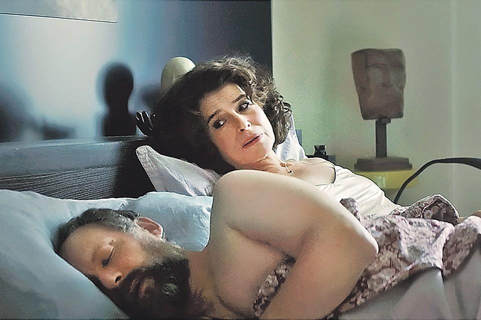 Героиня Ардан в новом фильме выгнала мужа из дома. Фото: Кадр из фильма