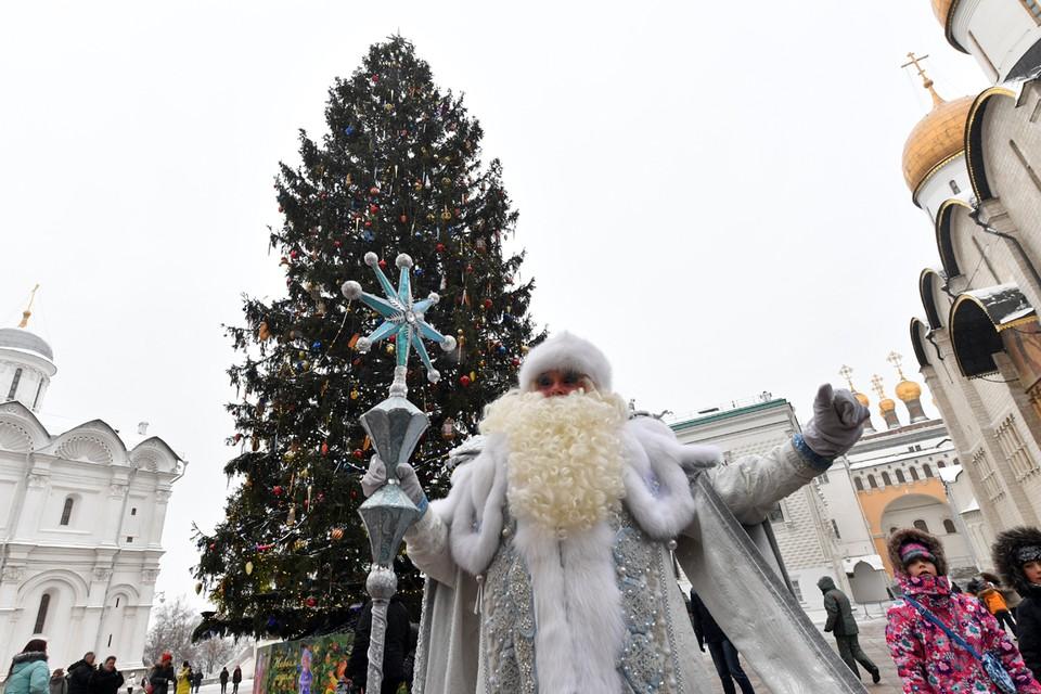 в начале ноября Дедушка покинул свою резиденцию в городе Великий Устюг Вологодской области и отправился в новогодний тур по стране.