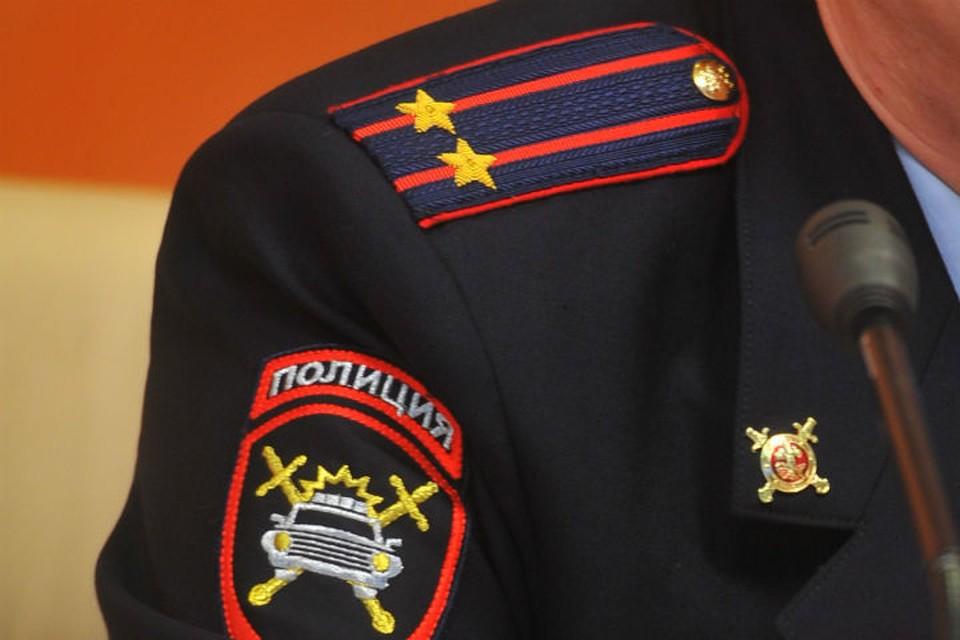 Подполковник полиции крышевал проституток: высокопоставленного силовика задержали за взятку в миллион рублей.