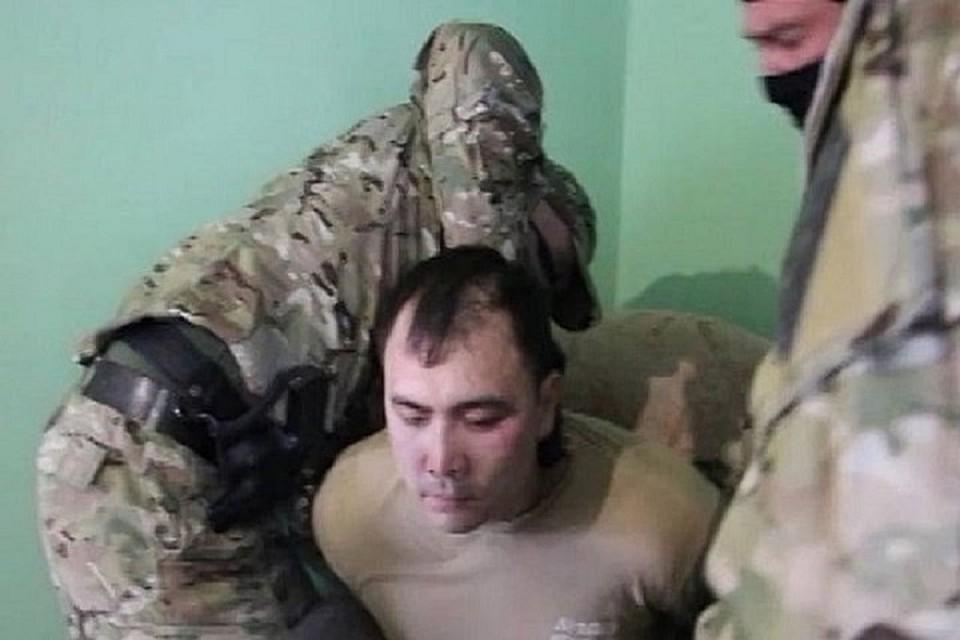 Задержанный является военнослужащим Южного военного округа. Фото: ЦОС ФСБ РФ