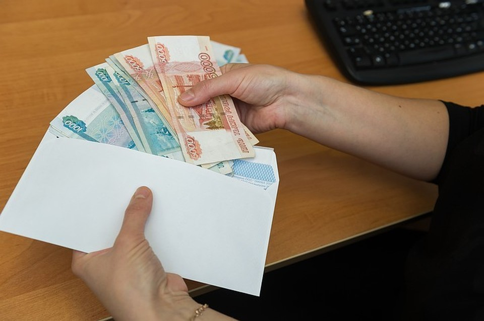 Удар по кошелькам петербуржцев получится чувствительный: за однушку придется ежемесячно платить не 120 рублей, а 240, за трешку в старом фонде - от 800 и выше.