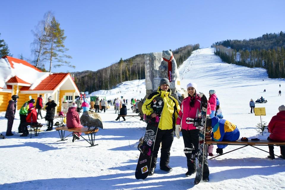 """На горнолыжных склонах курорта """"Белокуриха-2"""" катаются и спортсмены, и туристы. Фото предоставлено пресс-службой правительства Алтайского края."""