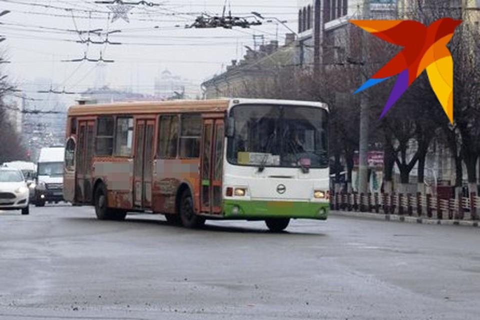 Теперь в автобусах Брянска выгоднее расплачиваться картой.