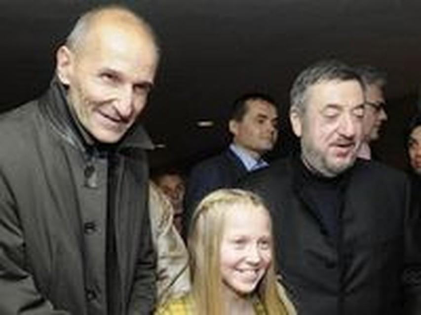 Моменты в русских фильмах с обнажением, обкончалась на большом члене