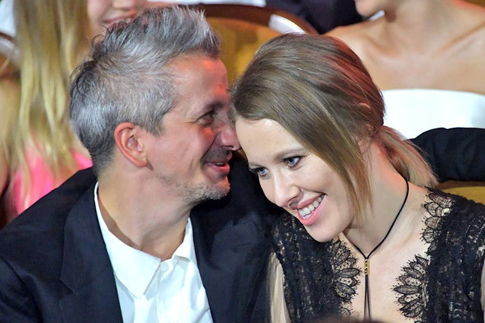 После свадьбы Собчак и Богомолов не живут вместе.