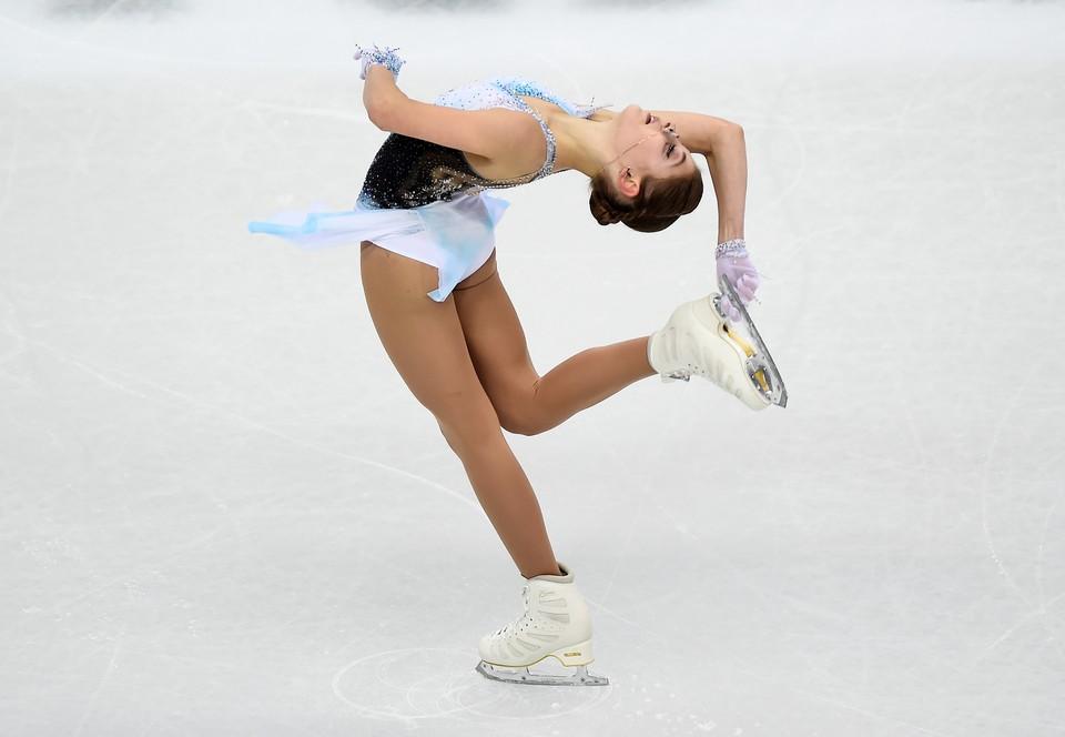 Алена Косторная лидирует после короткой программы финала Гран-При.