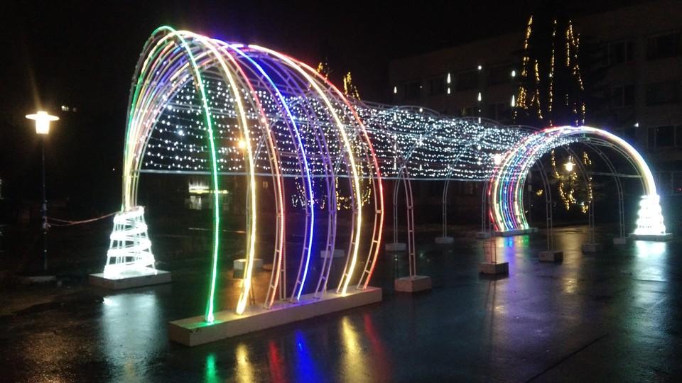 Светящаяся арка на площади Советской