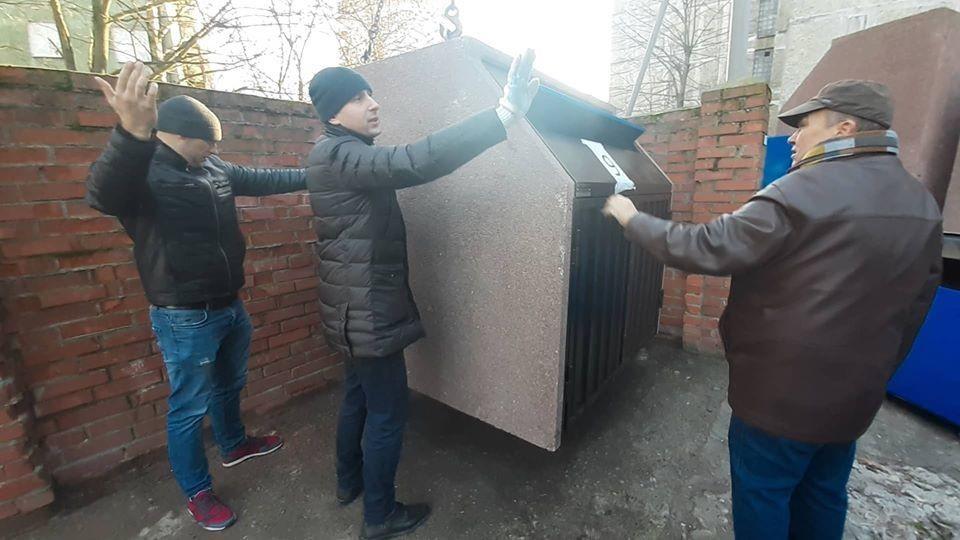 Установка контейнеров на Космической улице