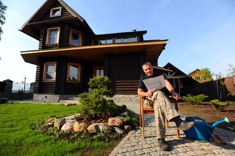 В рамках программы любой житель России может получить бесплатно до 1-го гектара земли под строительство дома, ведения хозяйства или для бизнеса