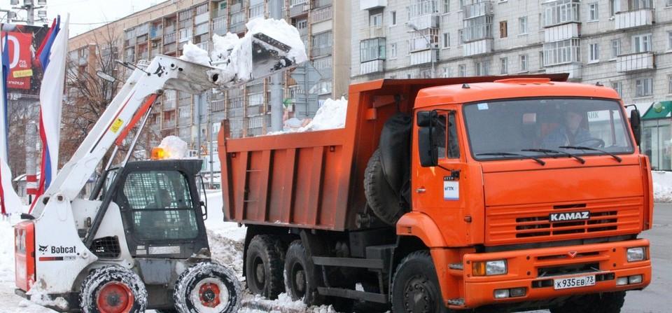 Каждую зиму вывоз снега в Томске становится одной из главных проблем для муниципальной власти.