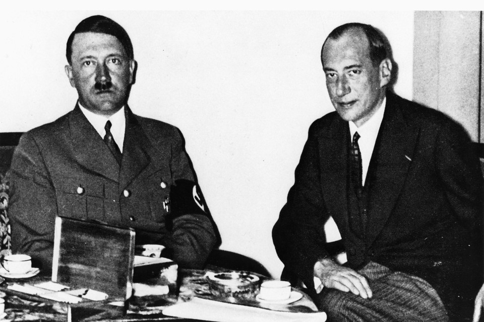 В начале 1939-го Гитлер в беседе с главой МИД Польши Юзефом Беком поднял вопрос о переселии евреев из страны