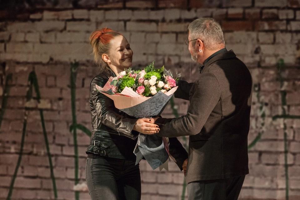 Юлия Пересильд выступила режиссёром-пастановщиком спектакля «Каштанка» .