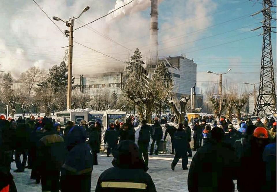 Около двенадцати часов сообщение о заложенном взрывном устройстве поступило на электронный адрес Комсомольского судостроительного завода. Фото: соцсети