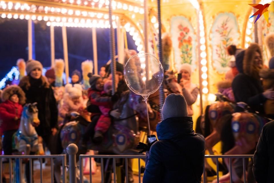 Праздничная карусель орловцам и гостям областного центра понравилась